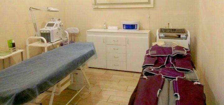 До 7 сеансов прессотерапии всего тела и RF-лифтинга лица в салоне красоты «Татуаль»