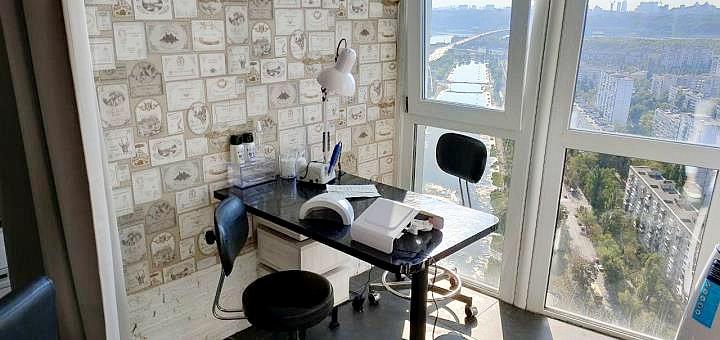Аппаратный и европейский маникюр с покрытием гель-лаком в студии красоты «Вeautу 35»