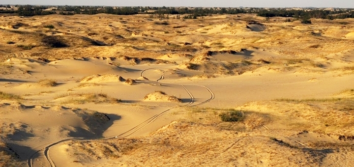 Экскурсионный тур «Украинская пустыня и ретросафари» от туристического агентства «Зовнішсервіс»