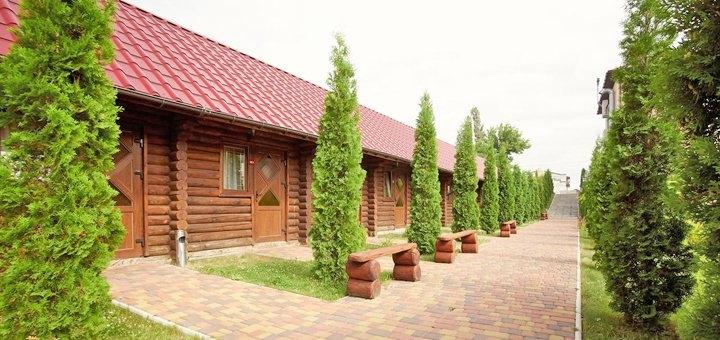 От 2 дней с завтраками и сауной в загородном комплексе «Райский дворик» в Киеве