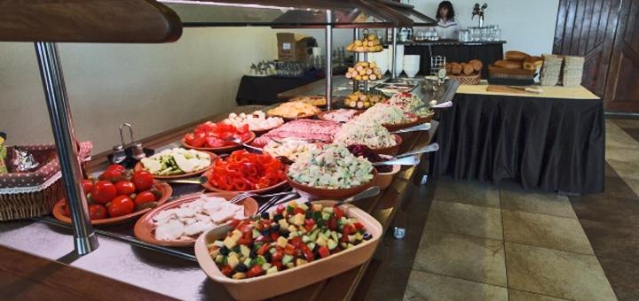 От 3 дней отдыха с завтраками в пансионате «Славский» во Львовской области