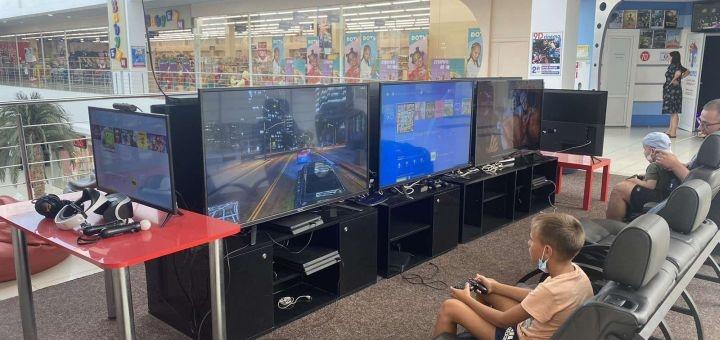 Скидка 50% на игру на PlayStation 4 от детской игровой площадки «MarvelClub» в ТРЦ «Ривьера»