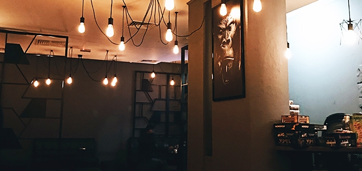 Фирменный кальян «Classic» или «Premium» с чаем в кальян-баре «Zona Comforta»