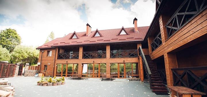 От 3 дней отдыха с питанием в отеле «Шале Фільварок» в Славском