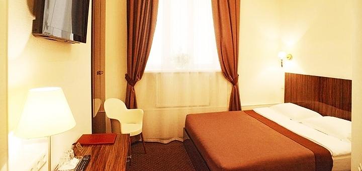 От 2 дней отдыха с завтраками и посещением сауны в отеле «Gintama Hotel» в центре Киева