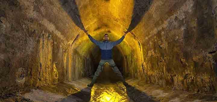 Подземная экскурсия «Подземная набережная» от туристической компании «Матей Тревел»