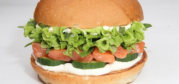 Скидка 50% на суши, роллы и скидка 40% на остальное меню кухни в ресторане «Burger Sushi Point»