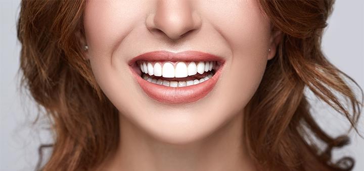Скидка до 71% на ультразвуковую чистку, Air-Flow и полировку зубов у доктора Калашникова
