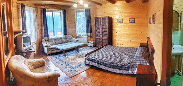 От 3 дней отдыха в поместье «12 месяцев» в Карпатах
