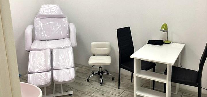 Маникюр и педикюр с покрытием гель-лаком в салоне красоты «Pion Beauty&Care»