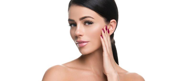 Скидка до 76% на чистку лица с дополнительным уходом или пилингом в салоне красоты «Tati»