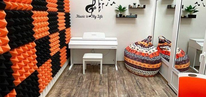 До 12 индивидуальных уроков по вокалу, игре на гитаре или фортепиано в «D'sound»