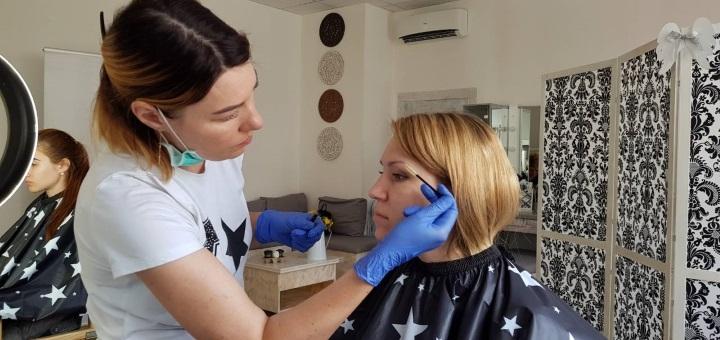 Скидка до 56% на профессиональный макияж и укладку волос в студии красоты «A.Beautylab»