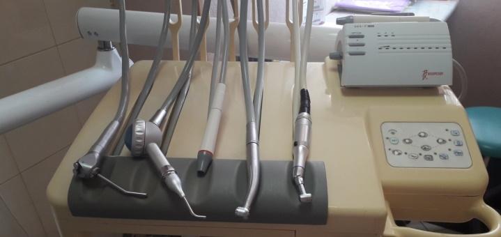 Установка или реставрация пломб в стоматологическом кабинете Марины Шараповой