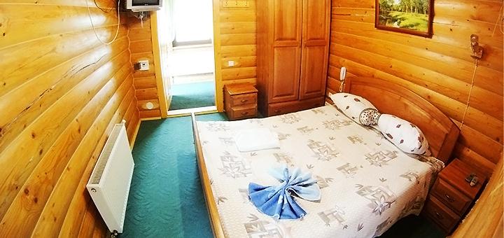 От 3 дней отдыха с завтраками в отеле «У Василини та Романа» в Полянице