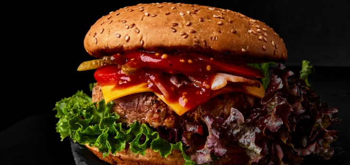 Скидка 40% на все бургеры, пиццу, снеки и гарниры с доставкой или в ресторане «Mr.Jack»