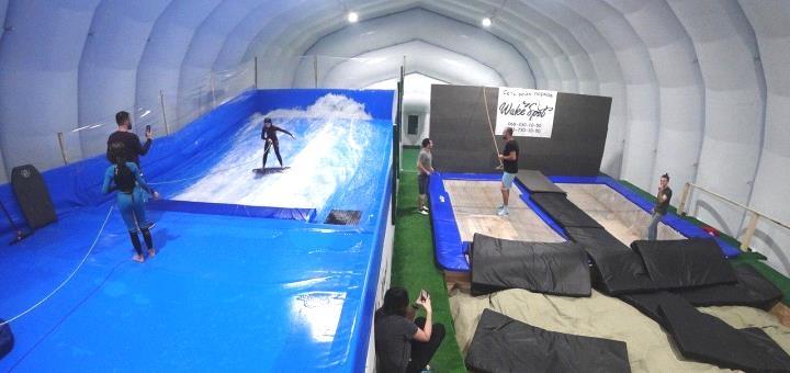 До 2 часов прыжков на батуте в любой день недели от «Wake Spot» в «Sky Family Park»