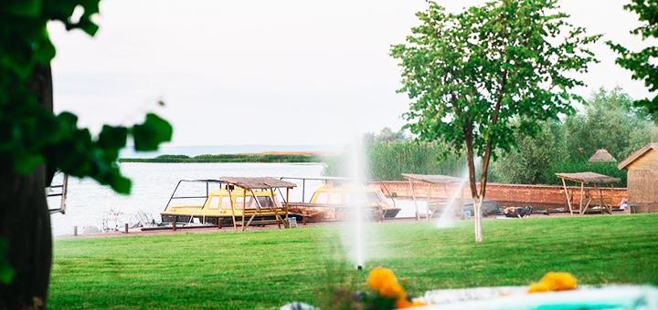 От 1 дня с завтраками, ужином и катанием на лодке на базе отдыха «Берег» на берегу Днепра