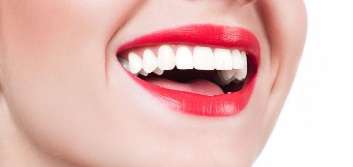 Комплексная ультразвуковая чистка зубов с Air-Flow и пакетом «Royal-гигиена» в «InStom»