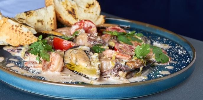 Скидка 50% на всё меню средиземноморской кухни и элитные вина в ресторане «5th Avenue»