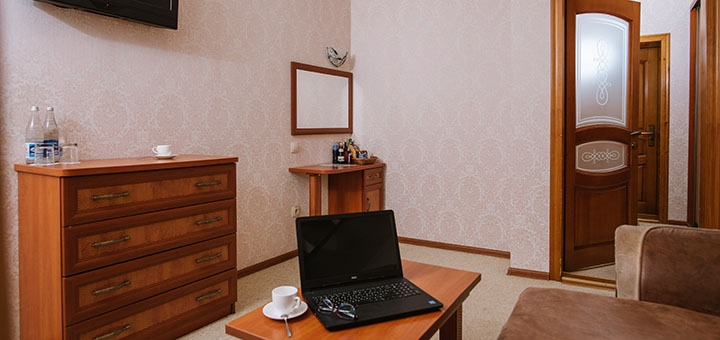 От 3 дней отдыха с завтраками в отеле «Золотая Корона» в центре Трускавца