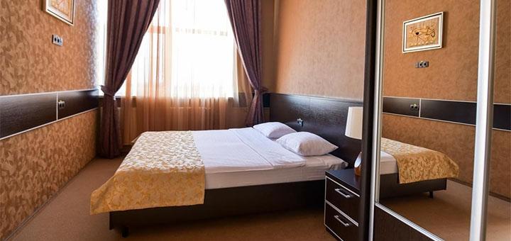 От 2 дней отдыха с завтраками и бассейном в отельном комплексе «Terra Nova» под Киевом
