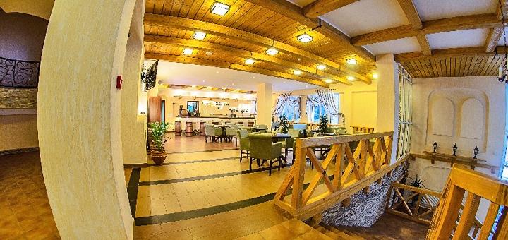 От 5 дней отдыха на Новый Год и Рождество с питанием в SPA-отеле «Карпатські зорі» в Яремче