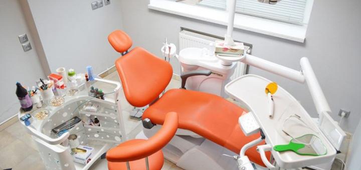 Скидка до 47% на установку коронок в стоматологической клинике «Swiss Dent»