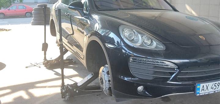 Скидка 50% на шиномонтаж четырёх колёс легкового авто или внедорожника от «Профшинсервис»
