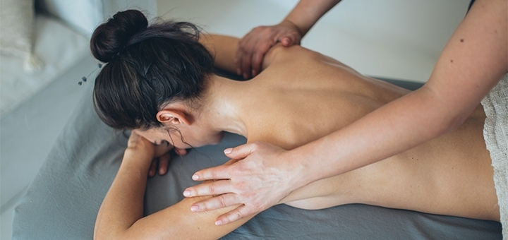 До 10 сеансов классического массажа спины, шейно-воротниковой зоны и рук от массажиста Светланы
