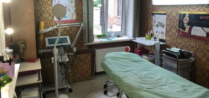 До 5 сеансов пилинга лица в косметологическом кабинете «Kosmoestet»