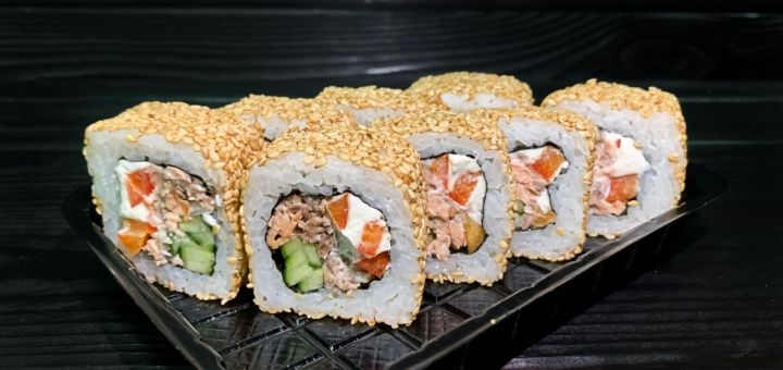 Скидка 50% на все суши, роллы и сеты с доставкой или самовывозом от компании «Panda Sushi»