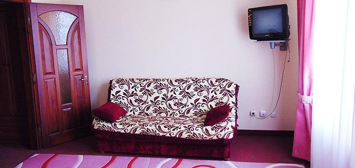 От 2 дней отдыха с питанием в отельном комплексе «Братислава» под Тернополем