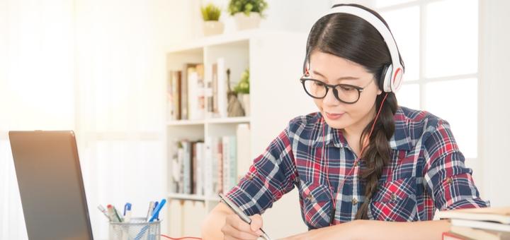 До 48 онлайн-занятий по изучению английского языка от школы иностранных языков «Flash»