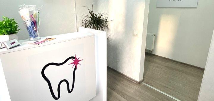 Профессиональная ультразвуковая чистка зубов в стоматологии «Ortho-Studio»