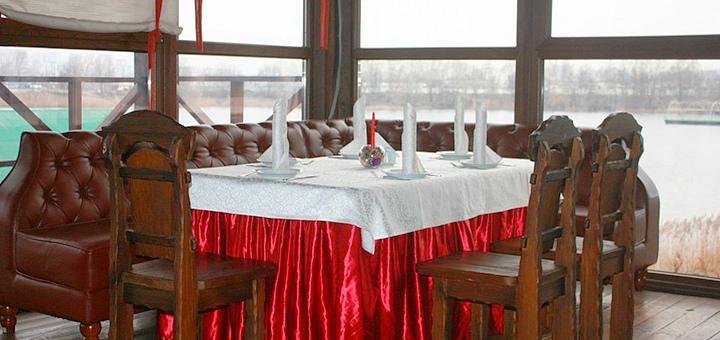 Скидка 30% на все меню кухни в ресторане на берегу озера «Штандартъ»