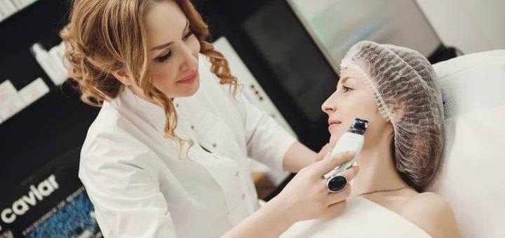 Скидка на введение липолитиков для лица и тела в кабинете косметологии Юлии Меньшиковой