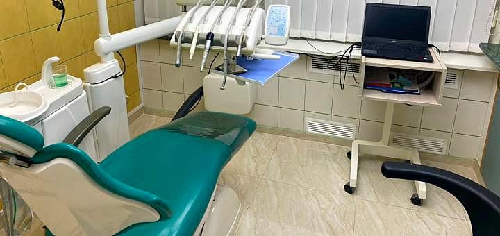 Профессиональная ультразвуковая чистка зубов с Air-Flow «Royal-гигиена» в «Dental Side»