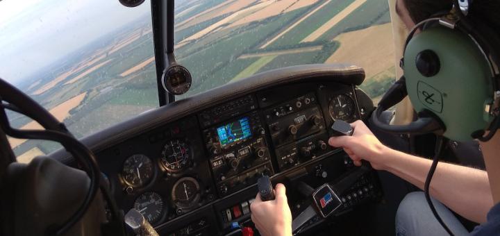 Скидка 30% на обзорный полет над Днепром на самолете «Grumman» от компании «Sky&Fly.ua»