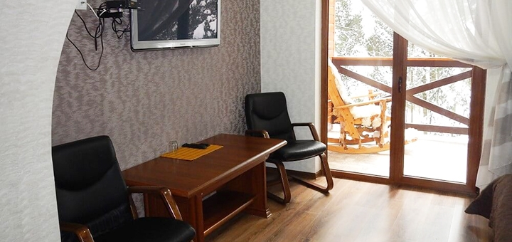 От 3 дней отдыха с двухразовым питанием и сауной в отеле «Фортеця Мигово» в Карпатах