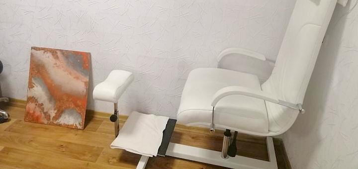 Маникюр и педикюр с покрытием гель-лаком в салоне красоты «Магия совершенства»