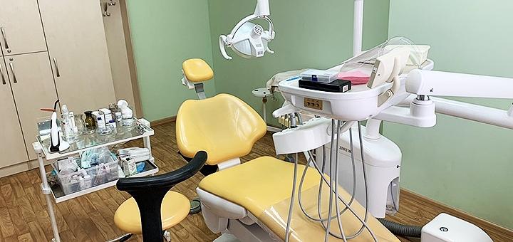 Ультразвуковая чистка зубов с Air Flow у стоматолога Виктории Корневой