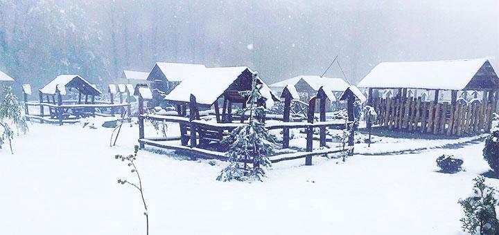 От 3 дней зимой с завтраками в комплексе отдыха «Орлиное гнездо» в Черновцах