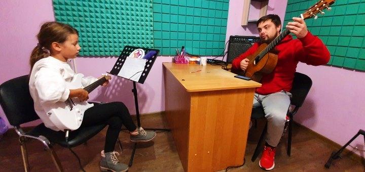 До 8 индивидуальных занятий игрой на фортепиано в творческой студии «YAProject»
