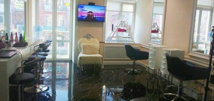 Маникюр с покрытием гель-лаком в салоне красоты «AVRA beauty studio»