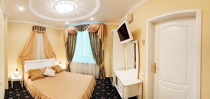 От 2 дней отдыха с завтраками в отеле «Gintama Hotel» в центре Киева