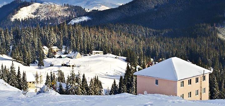 От 3 дней отдыха с завтраками в отеле «Мальва» на горнолыжном курорте Драгобрат