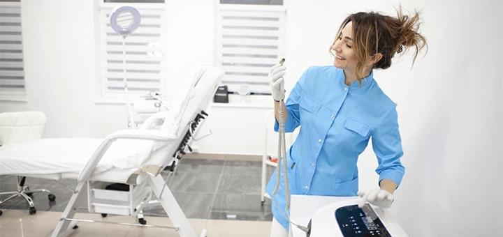 Скидка 50% на контурную пластику губ в косметологическом кабинете Елены Кузьменко