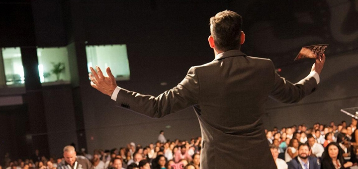 До 2 индивидуальных занятий ораторским мастерством в школе публичных выступлений «Klassenspeak»