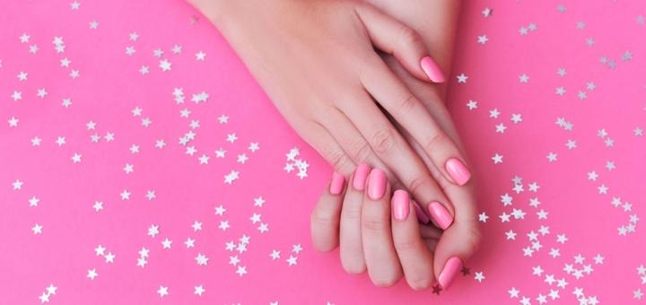 Маникюр, массаж рук, парафинотерапия, укрепление ногтей в студии «Кабинет эстетики тела»